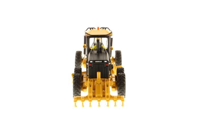 14M Motor Grader