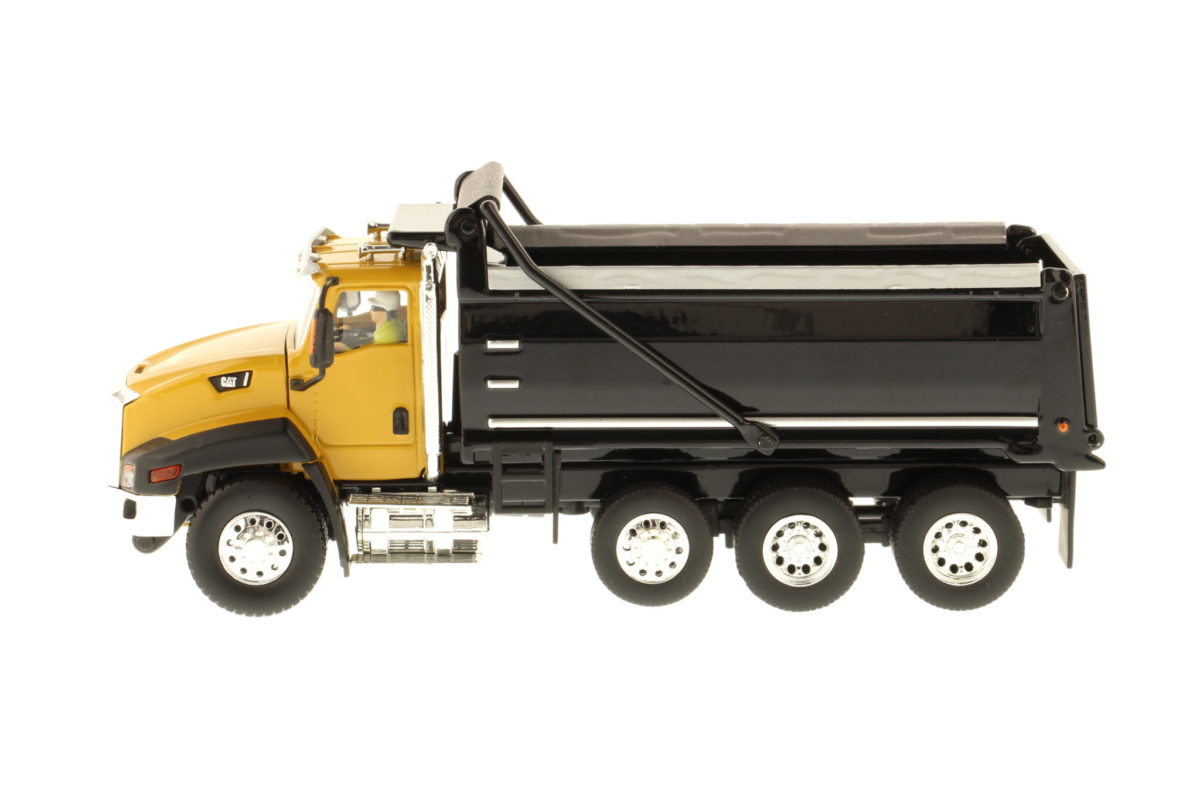 CT660 Dump Truck - Yellow and Black
