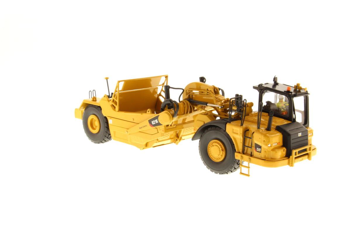 621K Wheel Tractor-Scraper